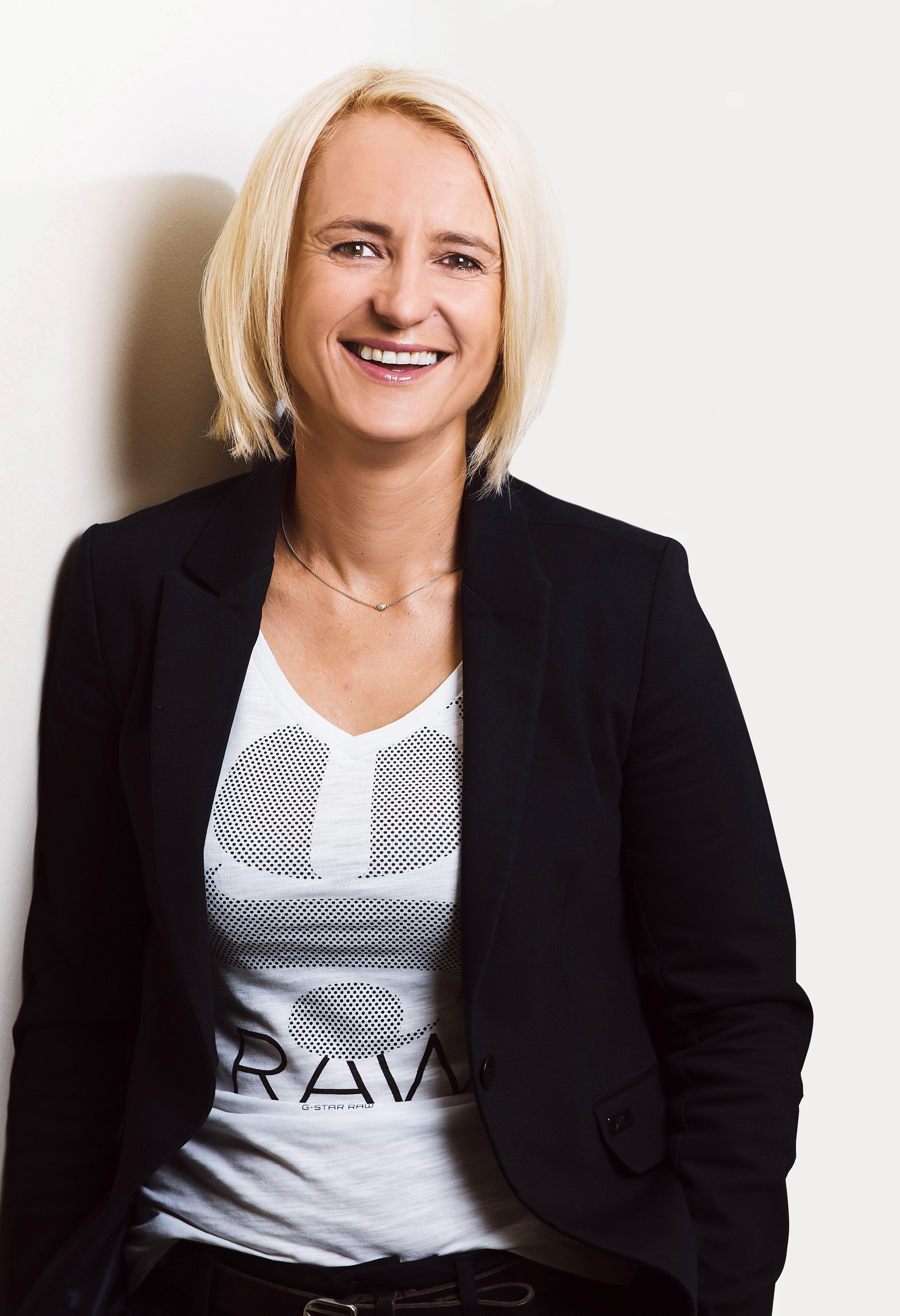Helga Juffinger Porträt.jpg